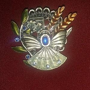 K.C. Jewelry - Vintage Brooch